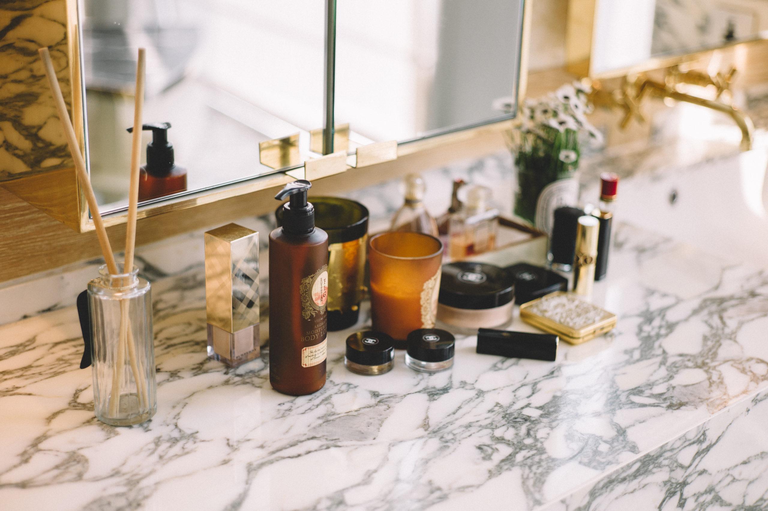 Cómo limpiar el mármol - baño superficie marmol